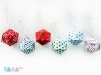 19_tara-balls-christmas02.jpg